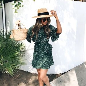 Dresses & Skirts - Ruffle floral dress